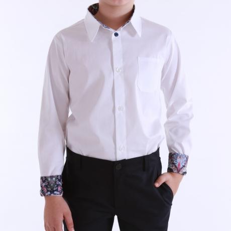 Valge triiksärk, siniste detailidega