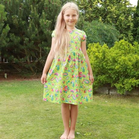 Roheline kleit väikese varrukaga
