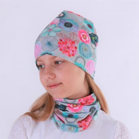 Müts kirgaste lilledega